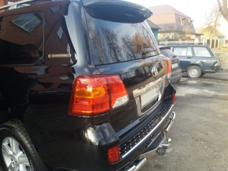 Toyota Land Cruiser 200 (2)
